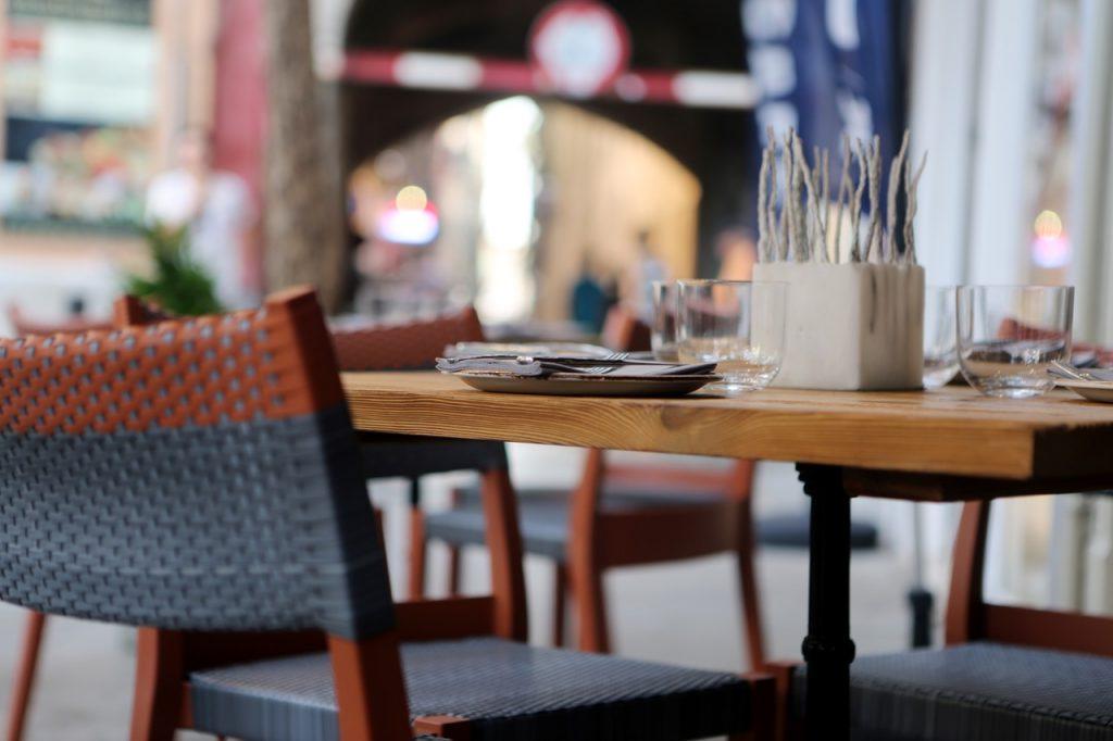Local Restaurants -Chalet Rose-Et-Lys